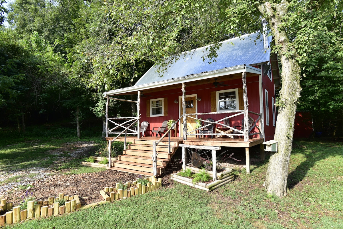 Family Friendly Tiny Home Farm Stays For Rent In