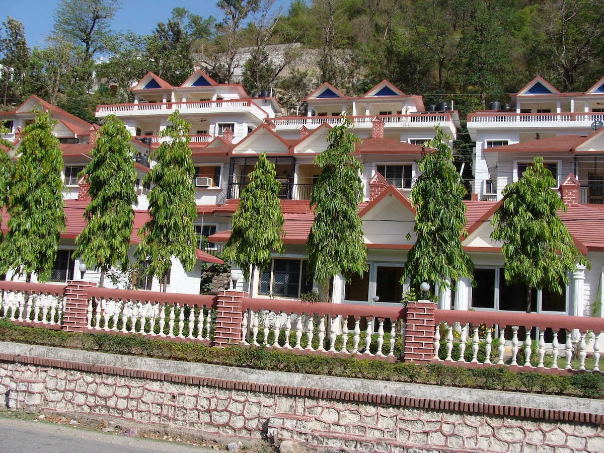 1 BHK Apartment With Hill View At Laxman Jhula Houses For Rent In Rishikesh Uttarakhand India