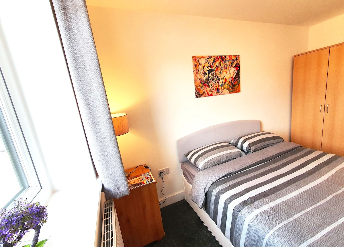 King Size Bedroom In Cozy Flat In Exeter Flats For Rent In Devon England United Kingdom