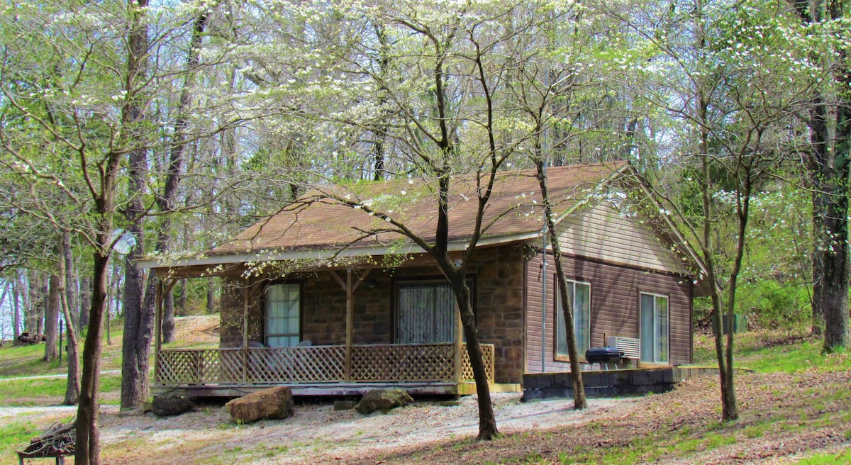 Cabin for 4 in the Ozark Mountains  Cabins for Rent in