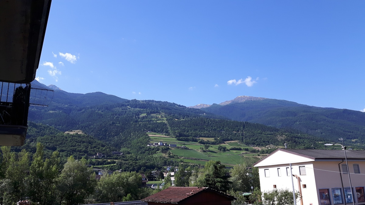 Aosta vicino telecabina per Pila  Apartments in affitto a Aosta Valle dAosta Italia