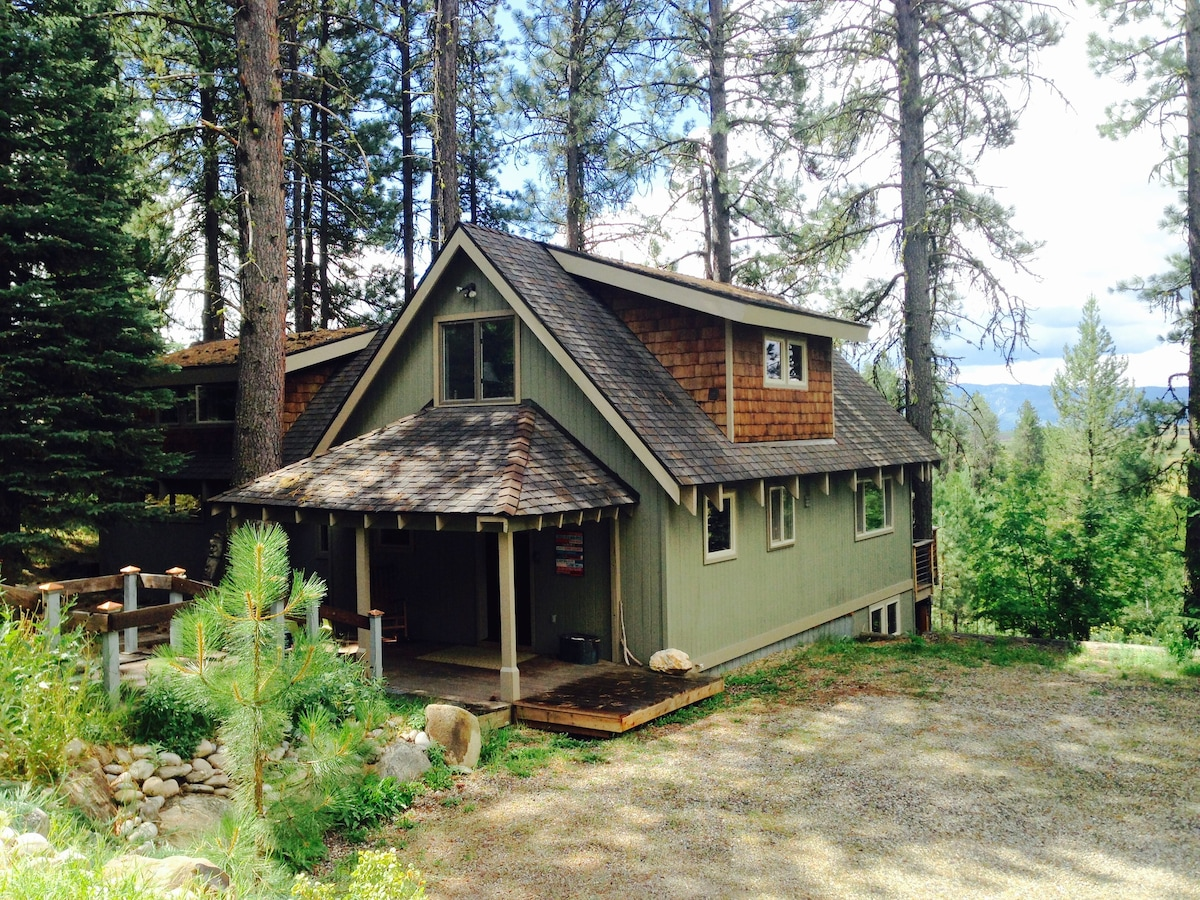 French Country Style Ski Cabin  Cabins for Rent in McCall