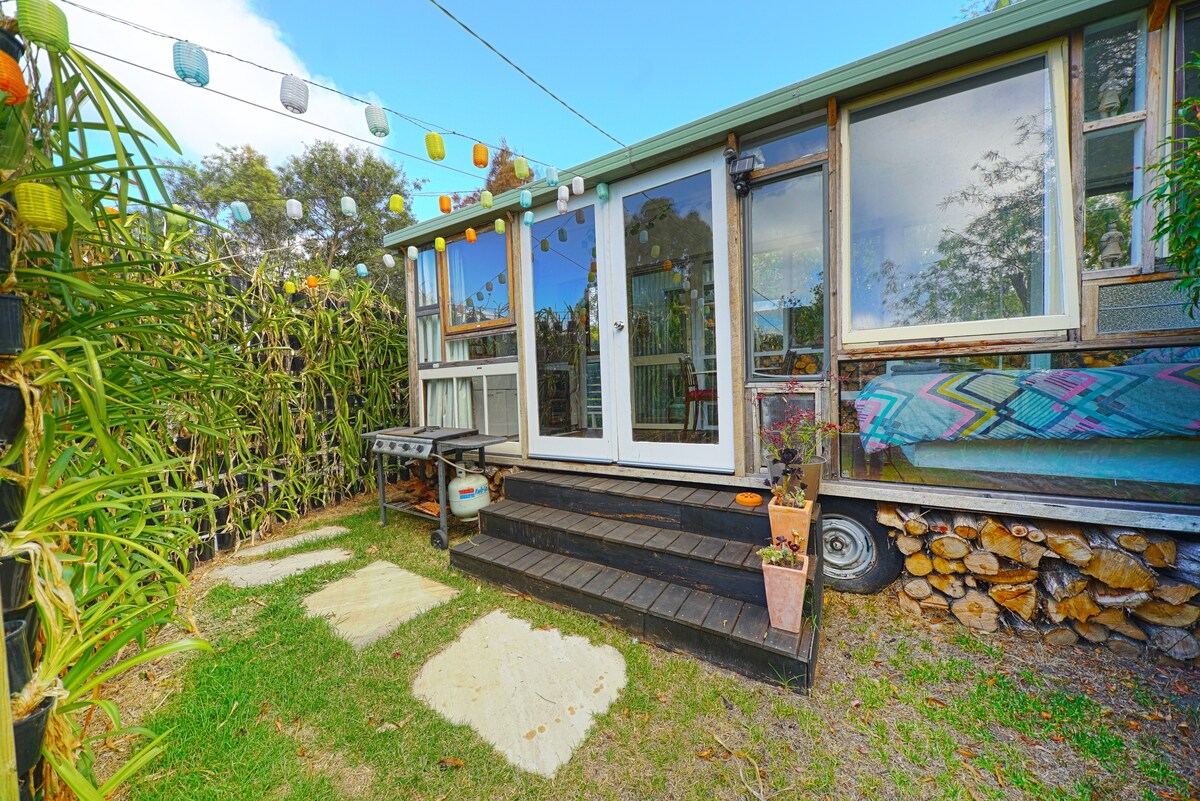 Torquay Tiny House Tiny Houses For Rent In Torquay