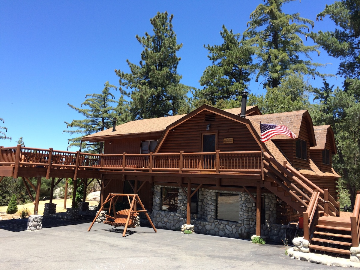 Luxury Hilltop Log Cabin 45 Acres  Cabins for Rent in