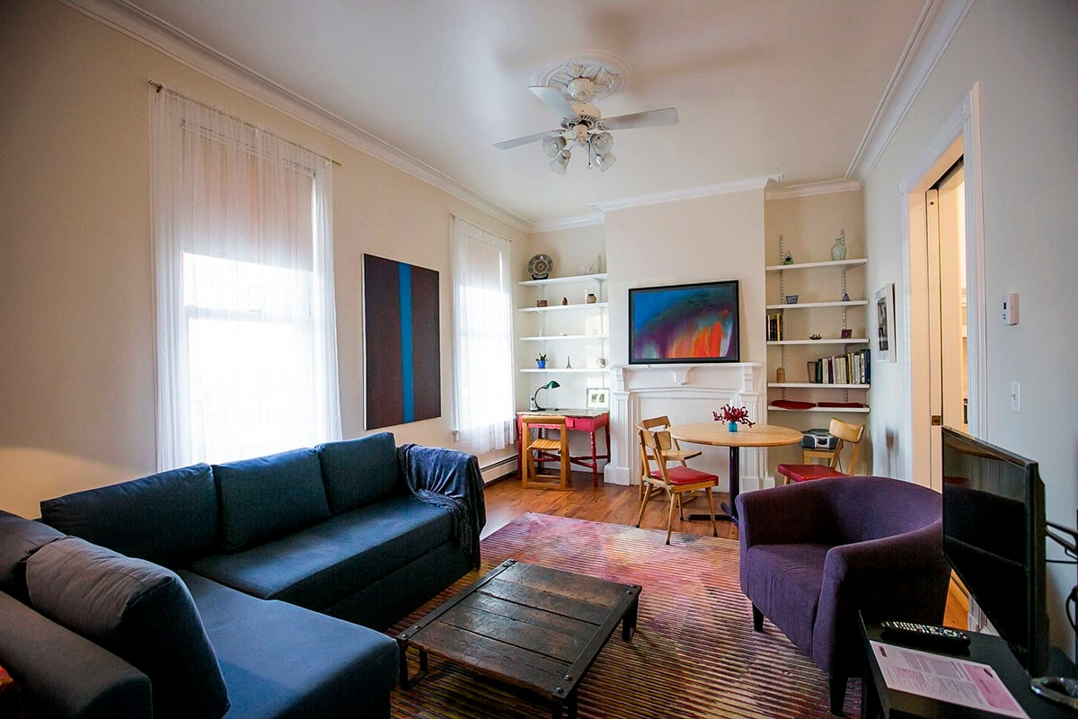 Spacious Private 1 Bedroom Apartment Apartments For Rent