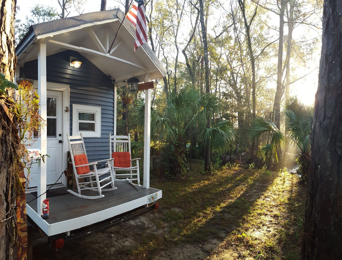 Tiny House Wooded Oasis Houses For Rent In Jacksonville