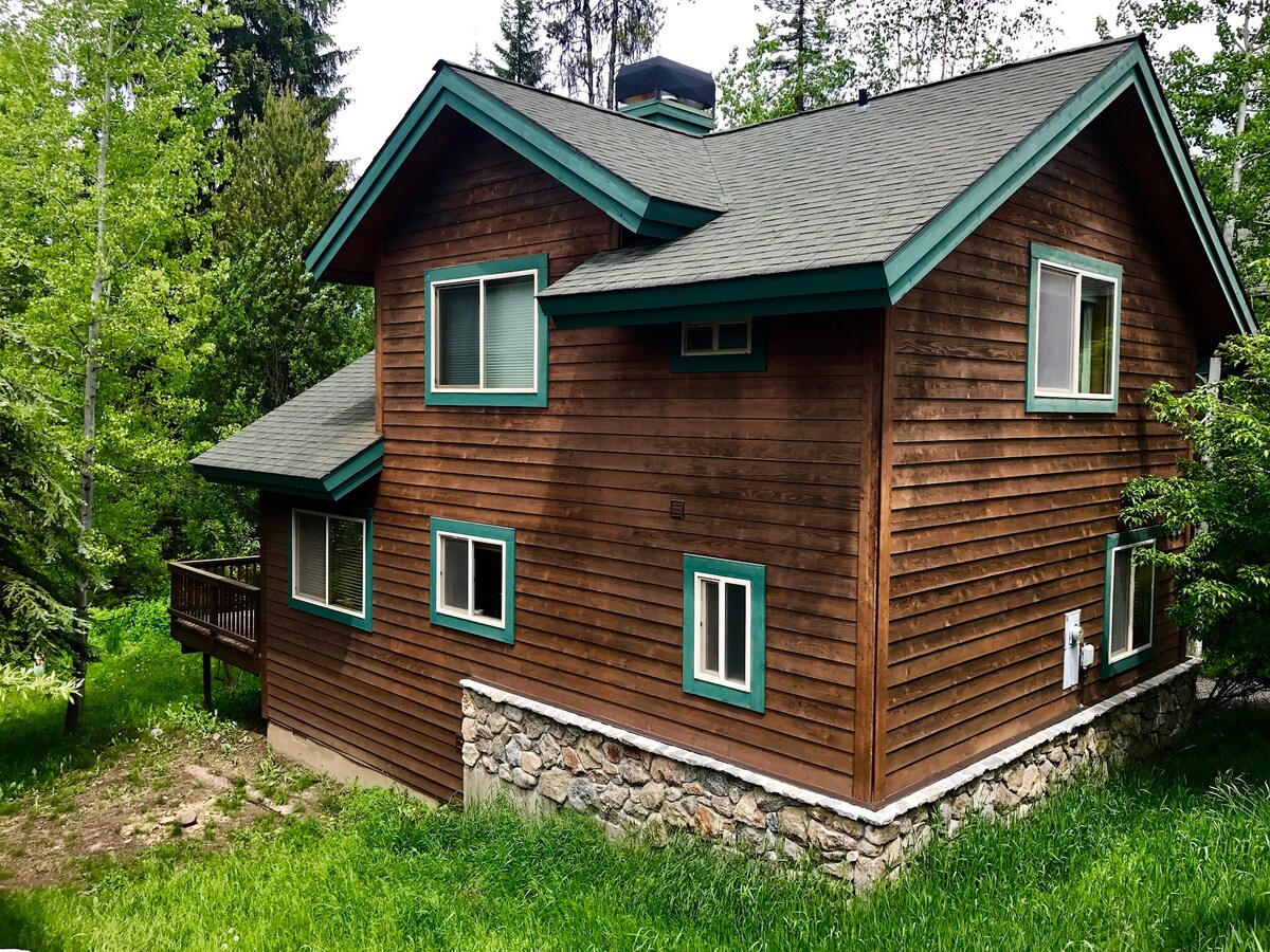 McCall Cabin Retreat  Cabins for Rent in McCall Idaho