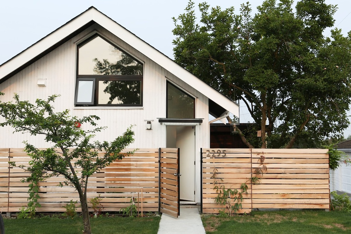 Modern New Laneway House Houses For Rent In Vancouver
