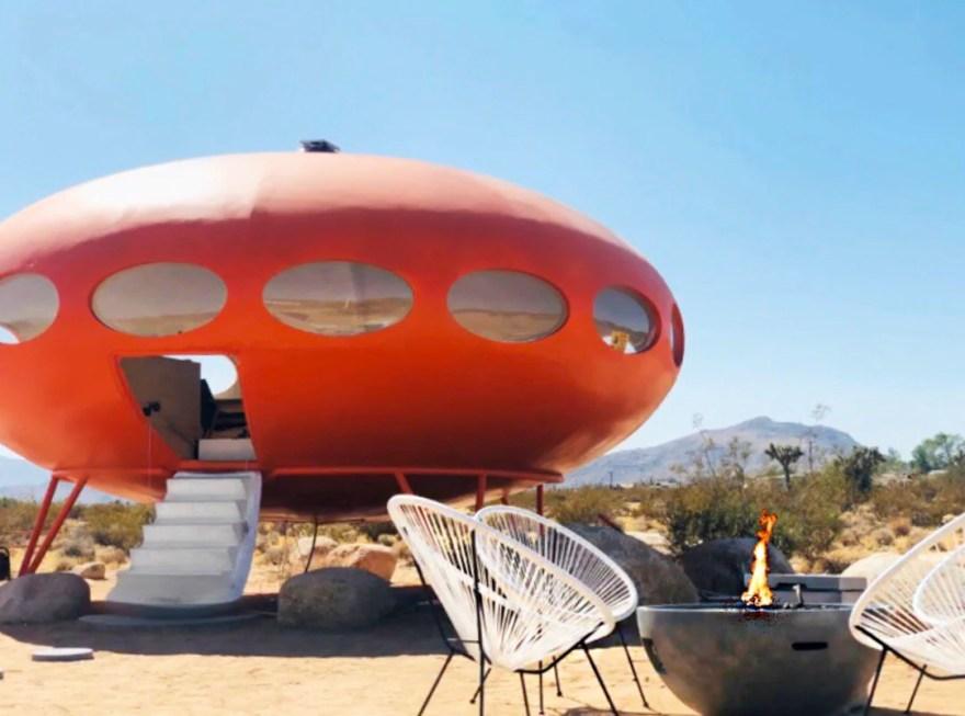 Amazing theme hotels – Area 55 Futuro House