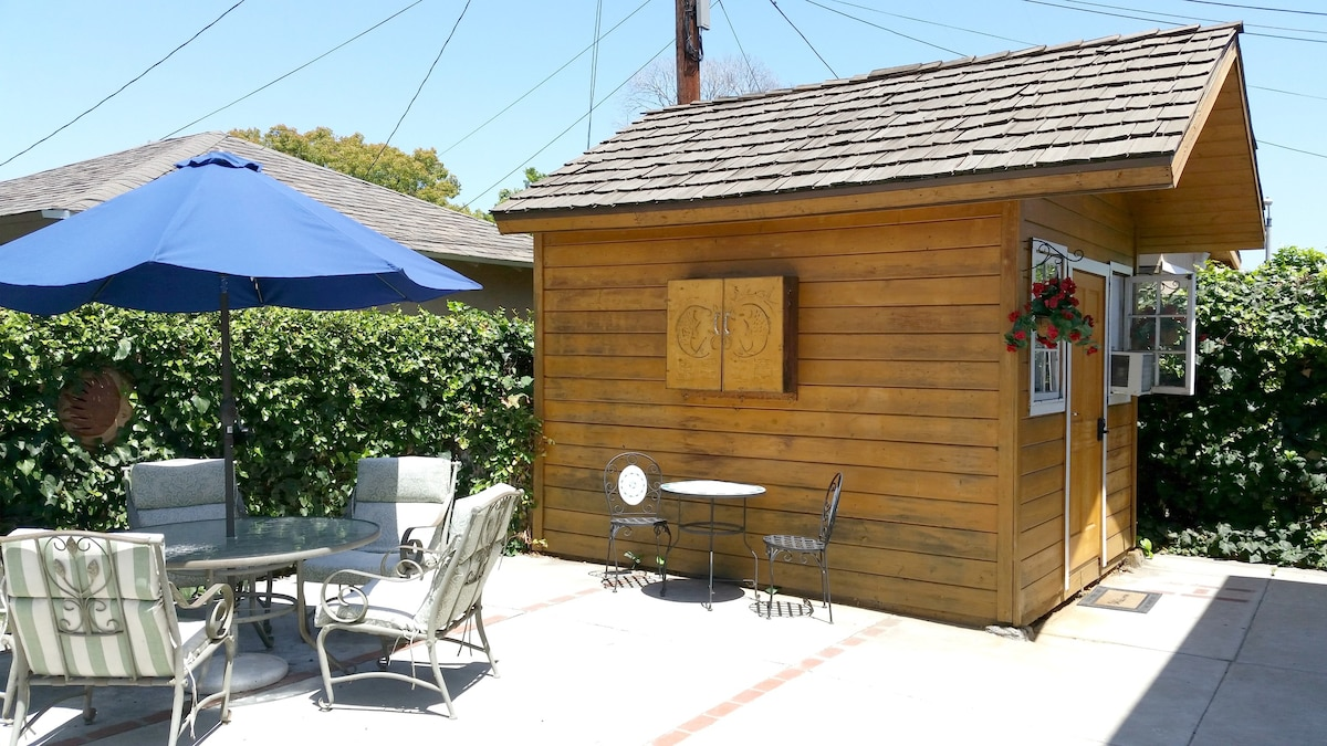 1 On Airbnb Cozy Cabin In Urban Los Angeles Tiny