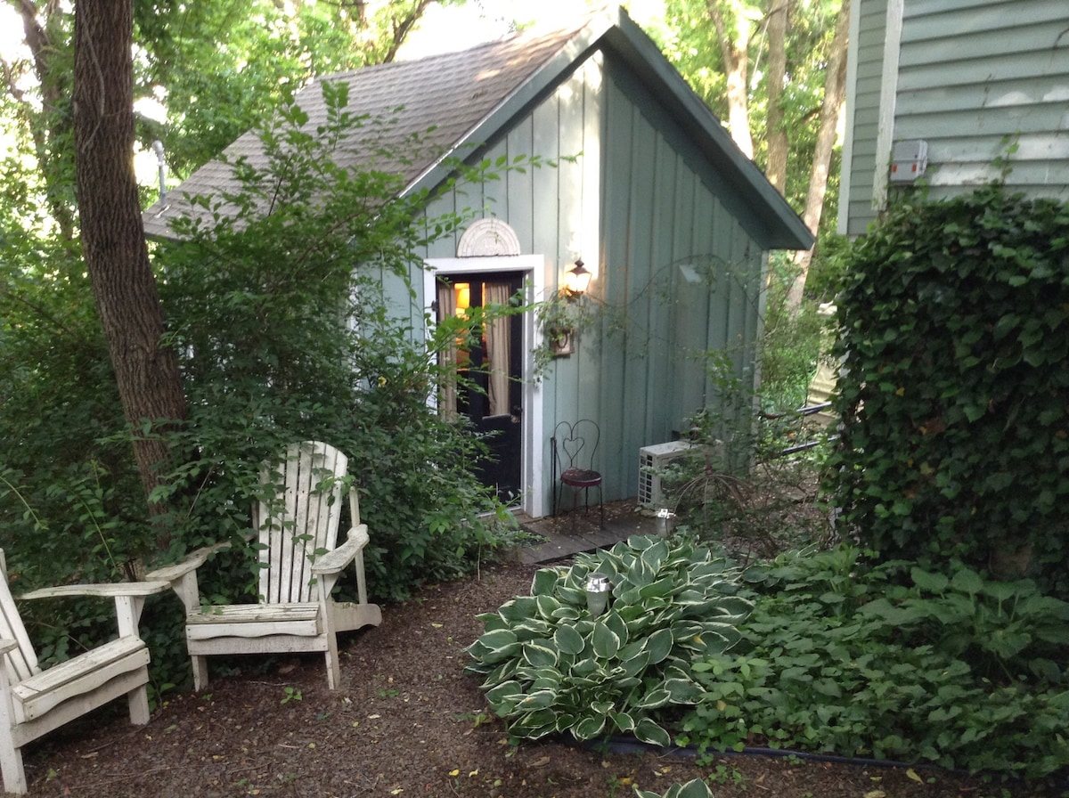 Adorable Cottage In Downtown Eureka Ozone Cleaned Tiny