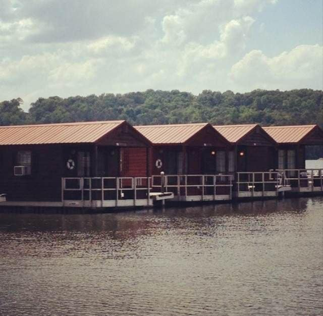 sofa reviews 2017 reclining with drop down table floating cabins - for rent in guntersville, alabama ...