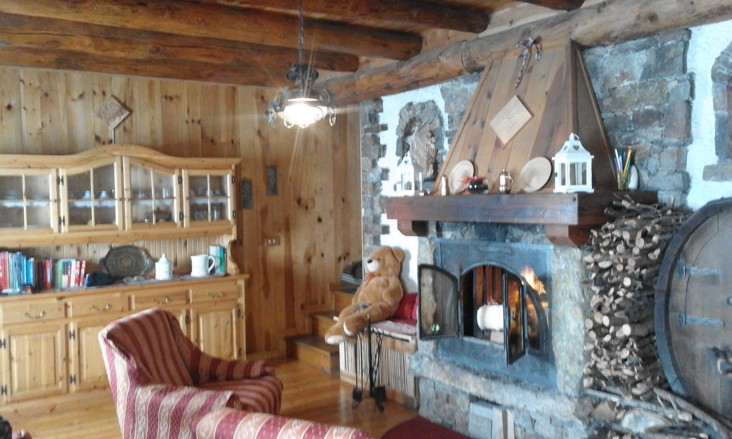 L'esempio arriva dalle alpi svizzere, da un piccolo villaggio di montagna. Baita Di Montagna Di Valtellina Houses For Rent In Prato Valentino Lombardia Italy