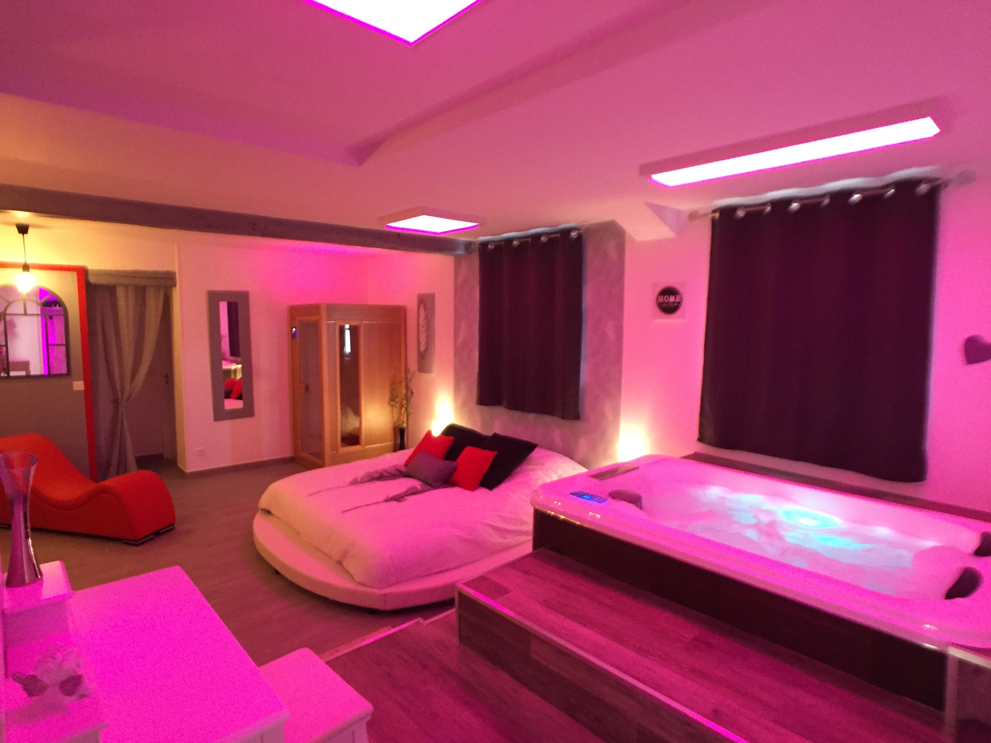 Suite Cupidon Ambre Spa Et Sauna Privatif Appartements A Louer A Moisenay Ile De France France