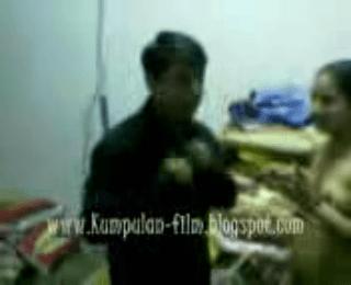 Download vidio bokep Main di tempat jual baju mp4 3gp gratis gak ribet