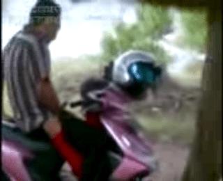 Download vidio bokep PNS Oral DiParkiran mp4 3gp gratis gak ribet