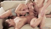 Licking Her Stepmoms Pussy While Fucking Her Boyfriend