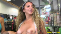 Sexy Shoppers Make It Happen Again