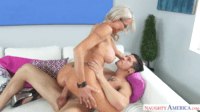 Learning Sex With An Experienced Cougar
