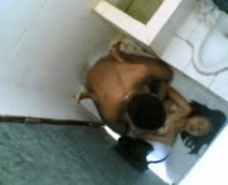 Download vidio bokep Ngintip orang ngesek di toilet mp4 3gp gratis gak ribet