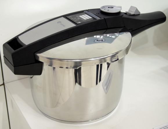 Self-Powered Pressure Cooker