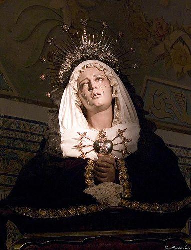 https://i0.wp.com/a33.idata.over-blog.com/420x549/1/93/30/42/9/La-Vierge-des-7-douleurs--Iglesia-del-Santo-Angel.-Sevilla.jpg