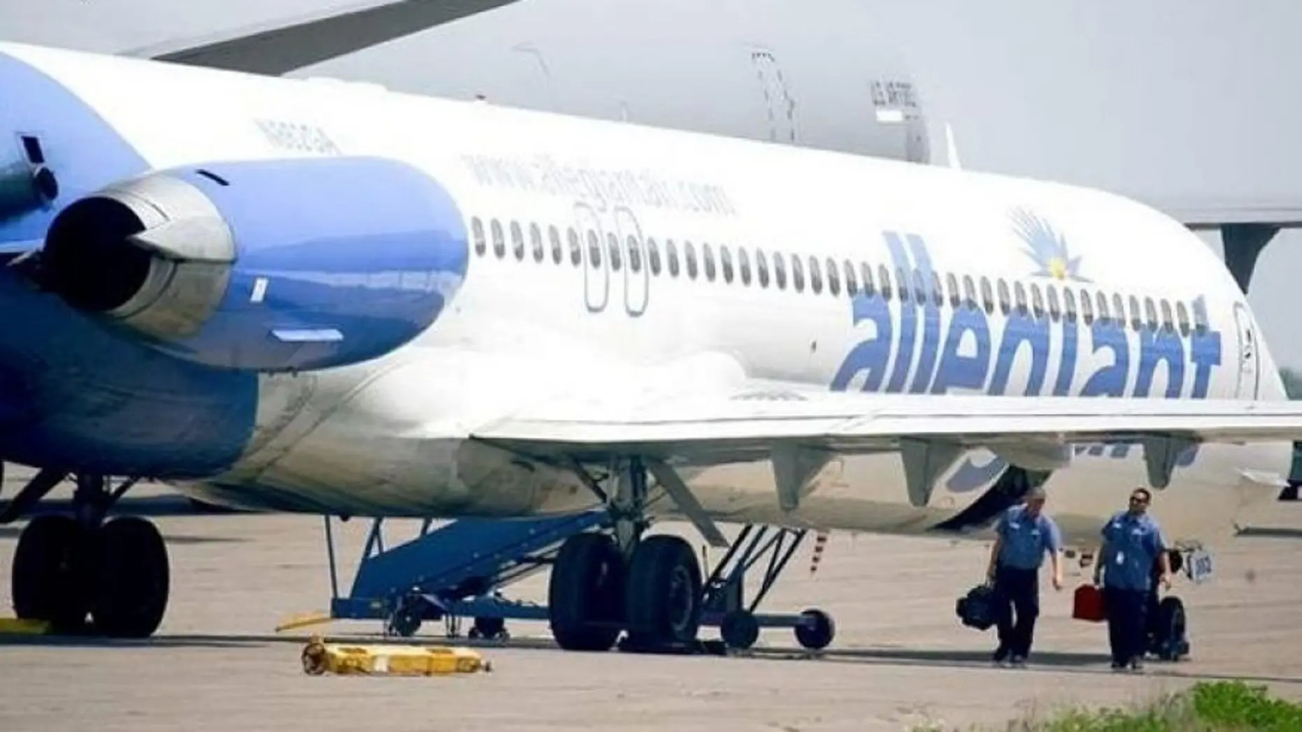 California Family Says They Were Kicked Off Allegiant