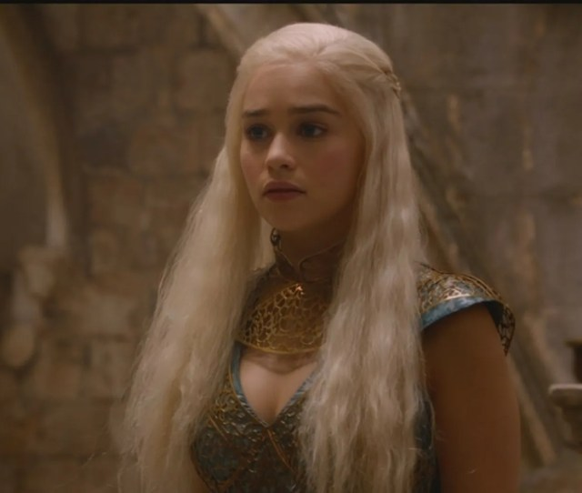 Game Of Thrones Beauty Emilia Clarke Whipped Theater Fans Into A Photo Frenzy Monday When She Stepped Naked Into A Bubble Bath During Her Breakfast At