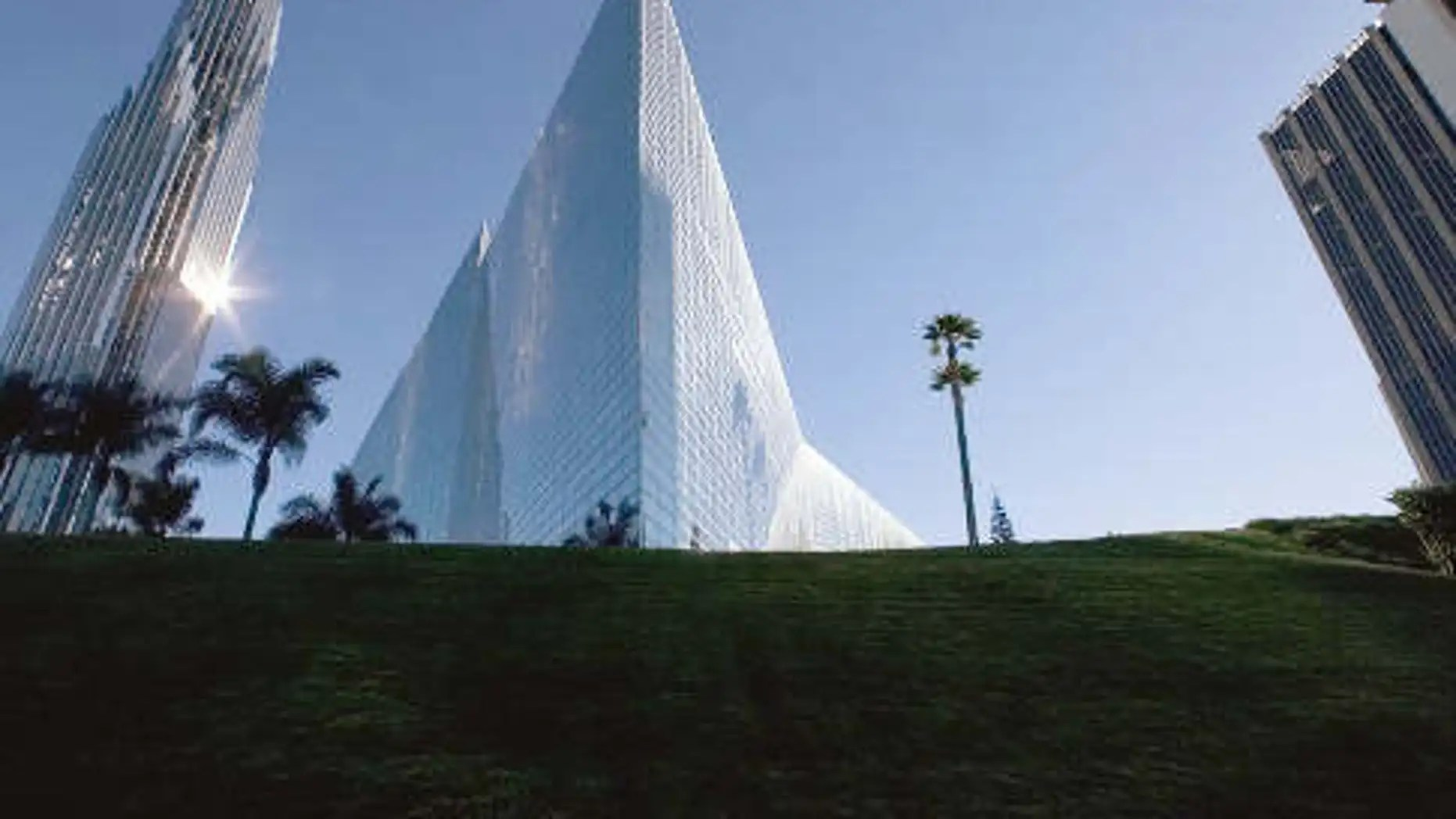 california megachurch crystal cathedral