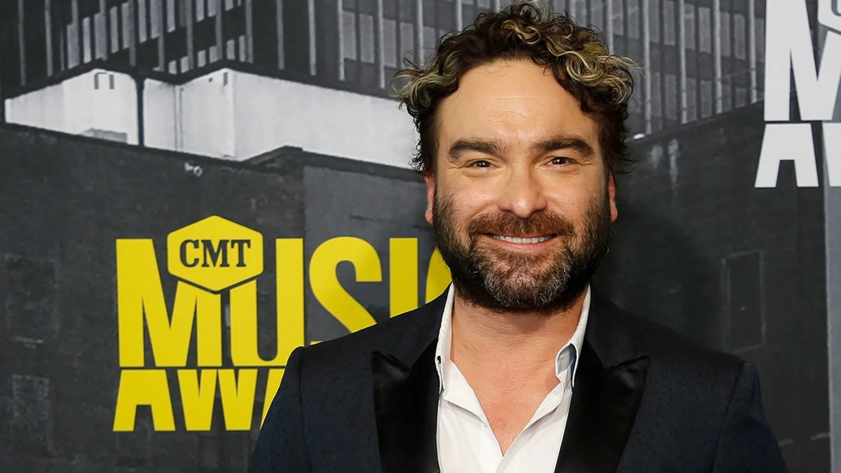 'The Big Bang Theory' star Johnny Galecki got political in an Instagram post condemning Brett Kavanaugh.