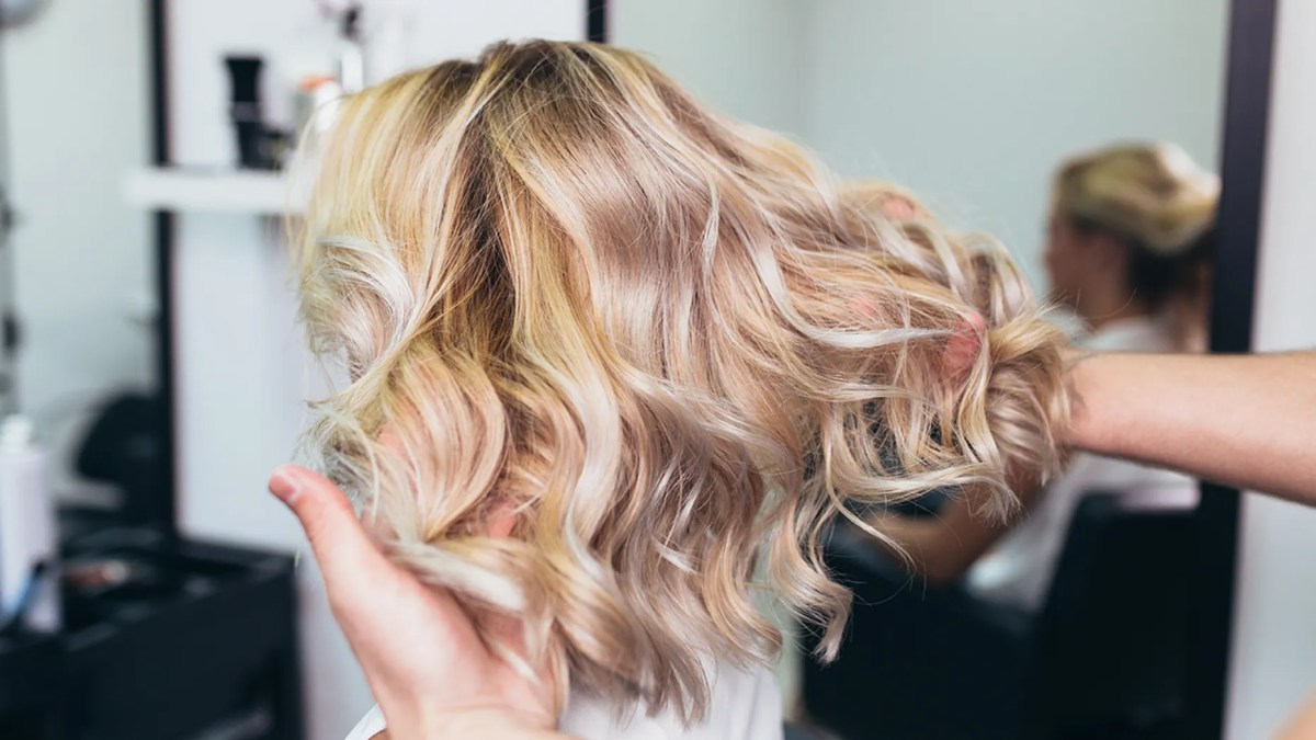 Lightening your hair doesn't have to cause damage. Just follow these expert tips.