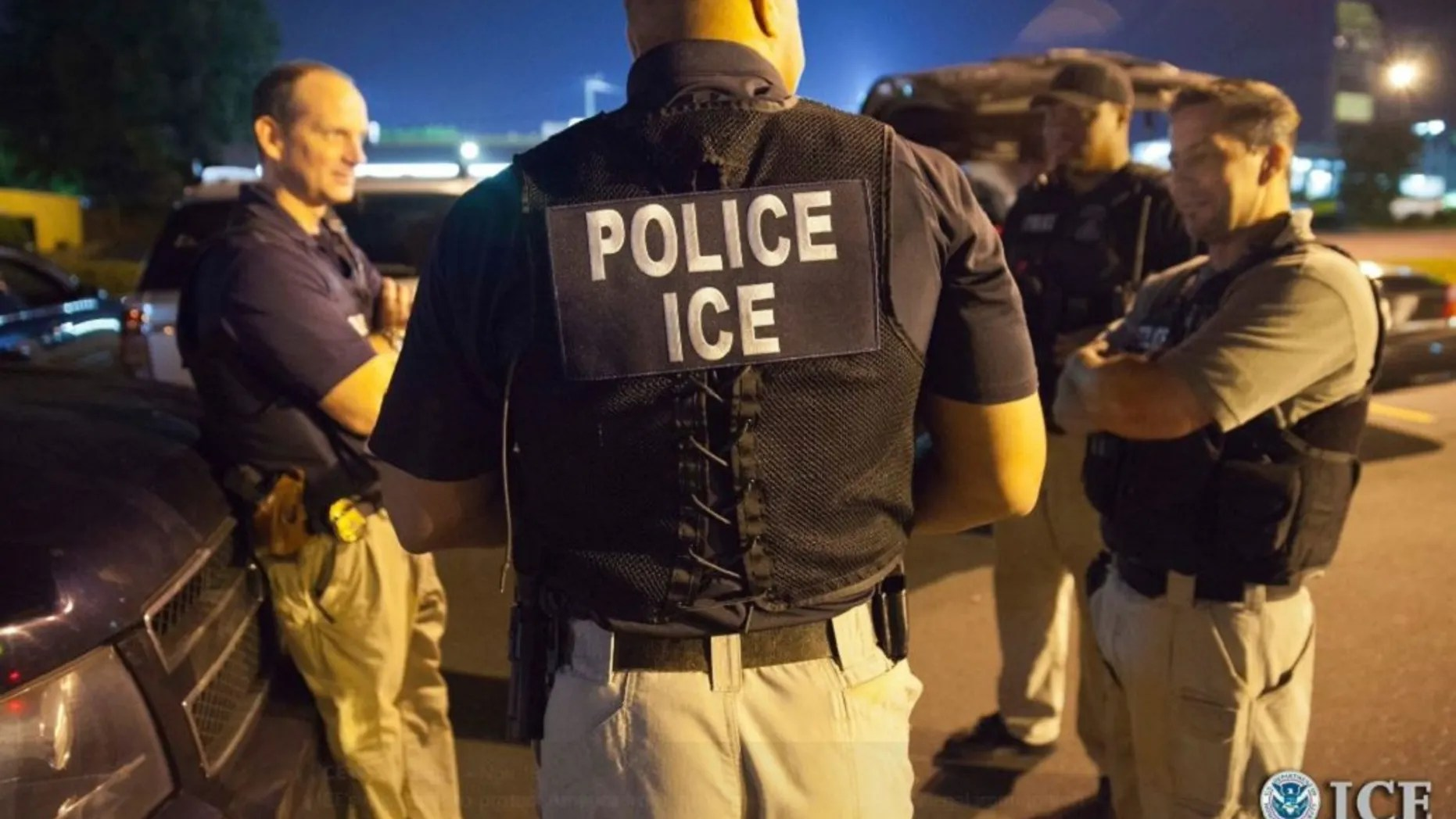 A Portland, Ore. man pleadedguilty to trying to bribe an Immigration and Customs Enforcement (ICE) agent.