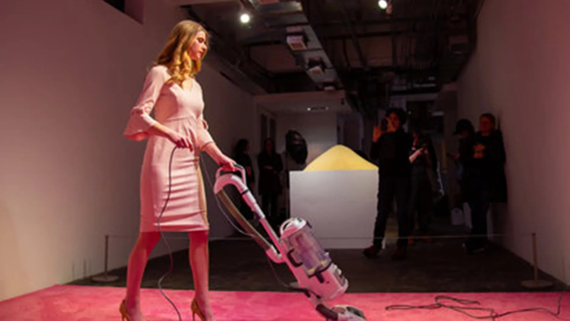Dc Art Exhibit Features Ivanka Trump -alike Vacuuming Invites Visitors Toss Crumbs