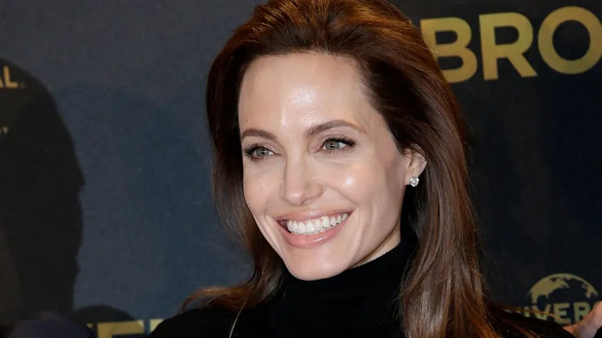 angelina jolie big smile ap.jpg