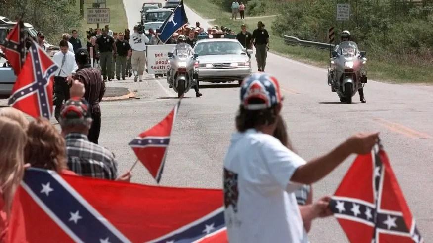 confed flag latino.jpg