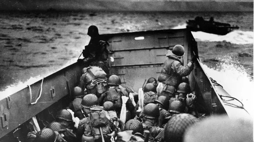 CORRECTION AP Was There D-Day-1.jpg