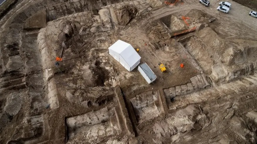 princely-grave-aerial-1