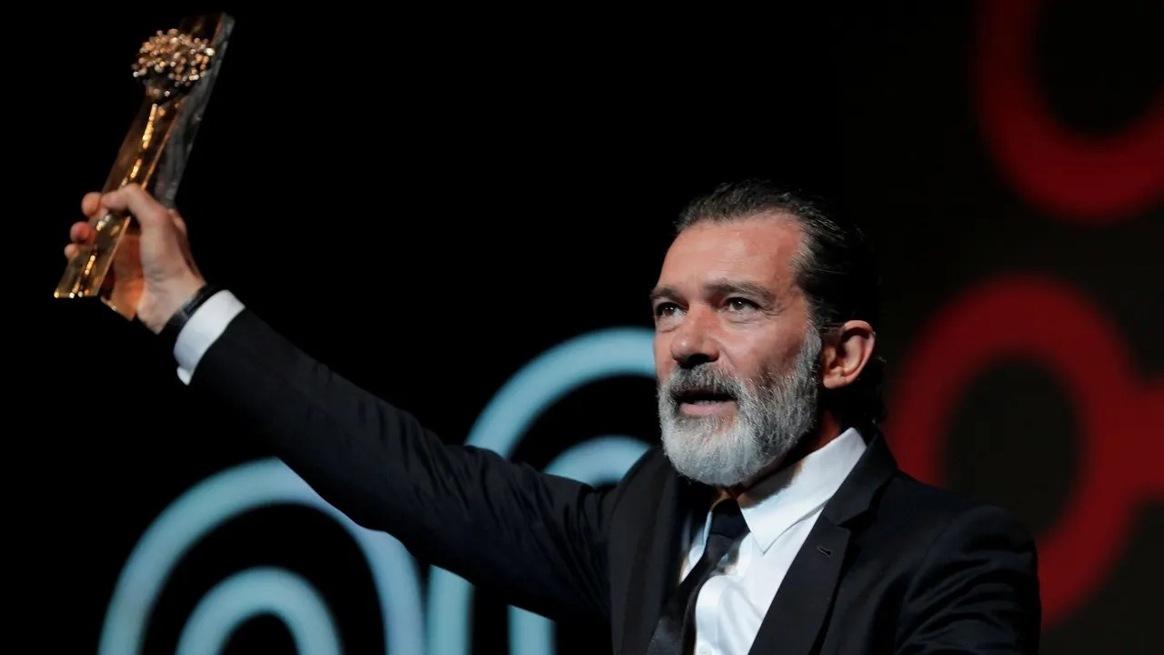 Antonio Banderas Says He S Recovered From Heart Attack