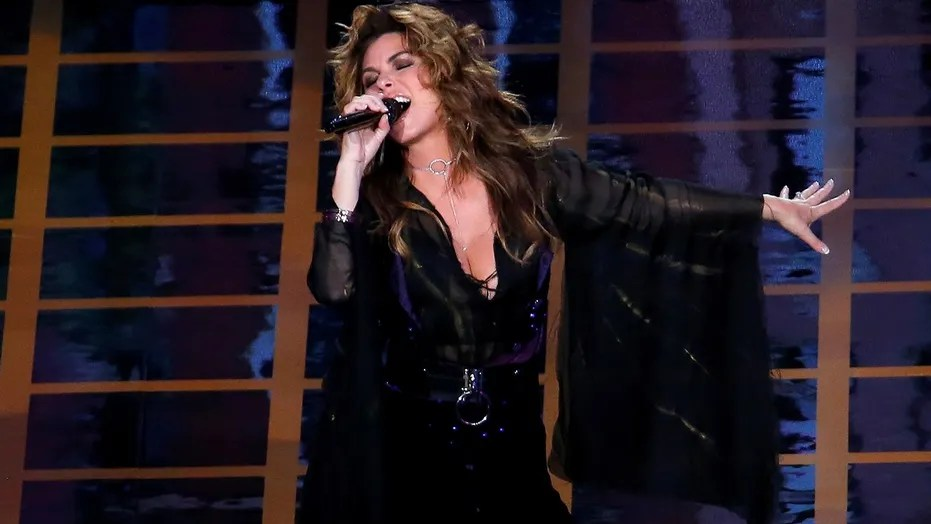 """Shania Twain performs on Aug. 28, 2017. On Monday, she sang on """"Dancing with the Stars."""""""