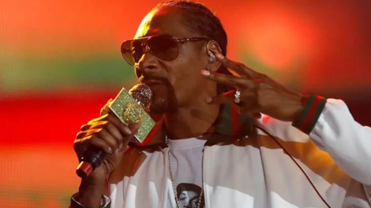 Rapper Snoop Dogg performs at ComplexCon in his hometown of Long Beach, California, U.S. November 6, 2016.