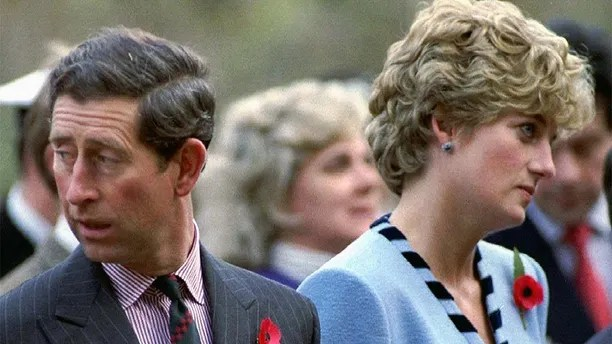 NOV92 FILE PHOTO - Princess Diana and Prince Charles look in different directions during a Korean War commemorative service in November 1992. Princess Diana, who was divorced from Charles in 1996, and her millionaire companion Dodi Al Fayed were killed early Sunday when their car crashed while reportedly being chased through Paris by photographers on motorcycles.  FRANCE DIANA - RP1DRIDWLCAA