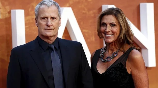 """Actor Jeff Daniels and his wife Kathleen arrive for the UK premiere of """"The Martian"""" at Leicester Square in London, Britain, September 24, 2015. REUTERS/Stefan Wermuth - GF10000219537"""