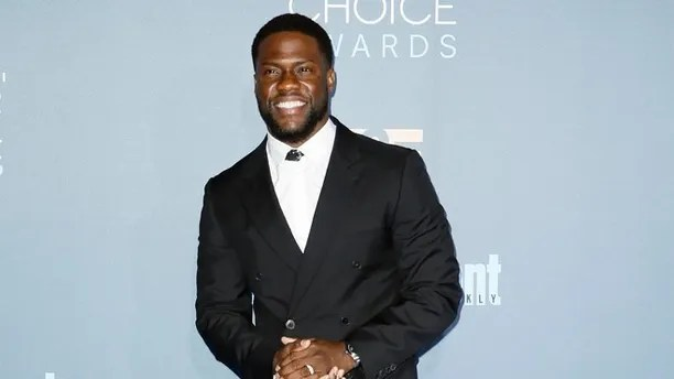 Actor Kevin Hart arrives at the 22nd Annual Critics' Choice Awards in Santa Monica, California, U.S., December 11, 2016. REUTERS/Danny Moloshok - RTX2UKON