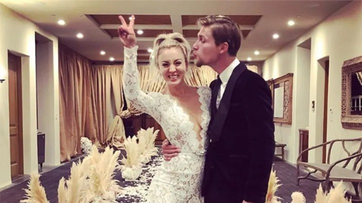 'The Big Bang Theory' actress Kaley Cuoco married her boyfriend Karl Cook.