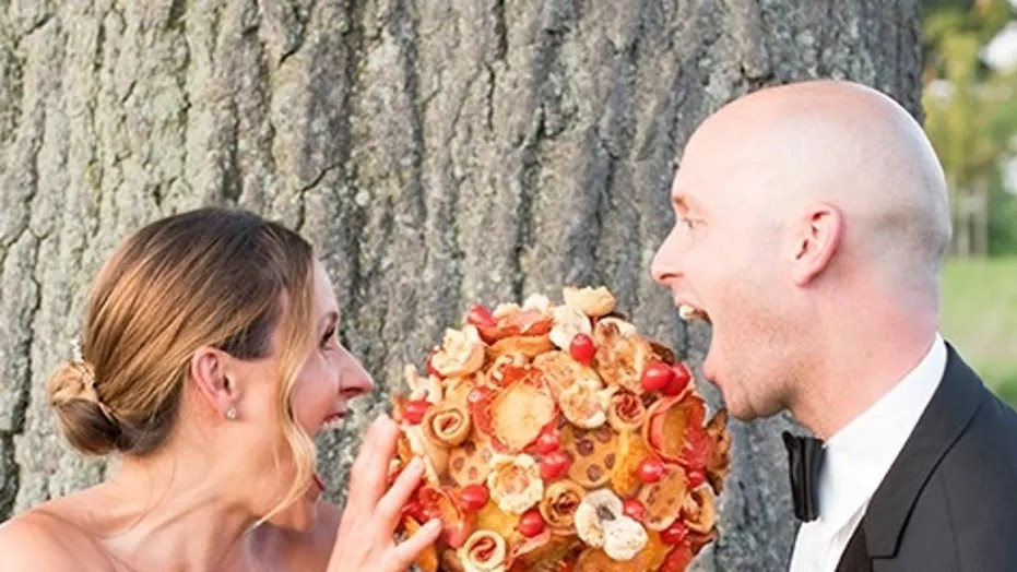 Pizza Chain Offering Pizza Bouquets, Boutonnieres In