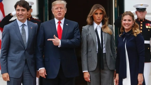 President Donald Trump and first lady Melania Trump welcome Canadian Prime Minister Justin Trudeau and his wife Sophie Gregoire Trudeau to the White House in Washington, Wednesday, Oct. 11, 2017. (AP Photo/Pablo Martinez Monsivais)