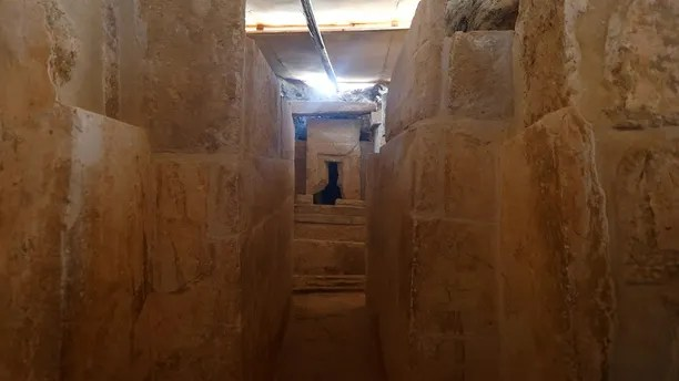 The discovery of an Old Kingdom tomb from Egypt's antiquities authorities is seen at the Giza plateau, the site of the three ancient pyramids on the outskirts of Cairo, Egypt February 3, 2018. REUTERS/Amr Abdallah Dalsh - RC118118DB80