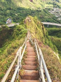 Hawaiis terrifying Stairway to Heaven could reopen with ...