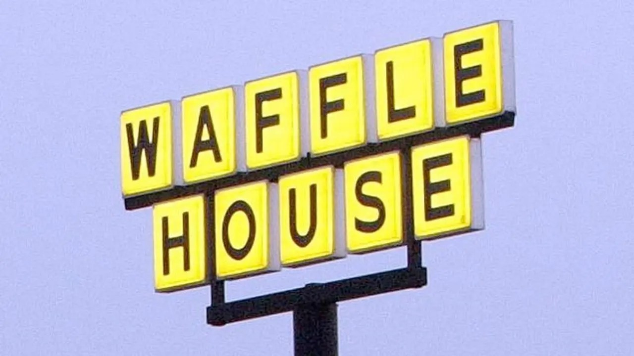 3 Indicted For Role In Ex Waffle House Ceo Sex Tape Case