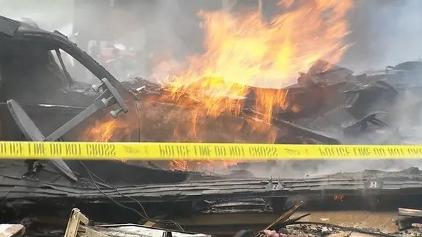 https://i0.wp.com/a57.foxnews.com/images.foxnews.com/content/fox-news/us/2018/04/08/car-slams-into-texas-home-triggering-gas-explosion-and-injuring-5-people/_jcr_content/article-text/article-par-9/inline_spotlight_ima/image.img.jpg/612/344/1523208981098.jpg?w=736